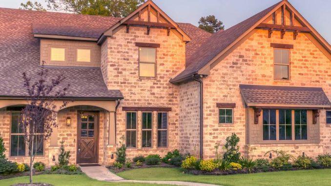 Na czym można oszczędzać budując dom